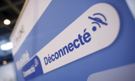 Droit à la déconnexion : environ un tiers des actifs restent connectés pendant leurs congés